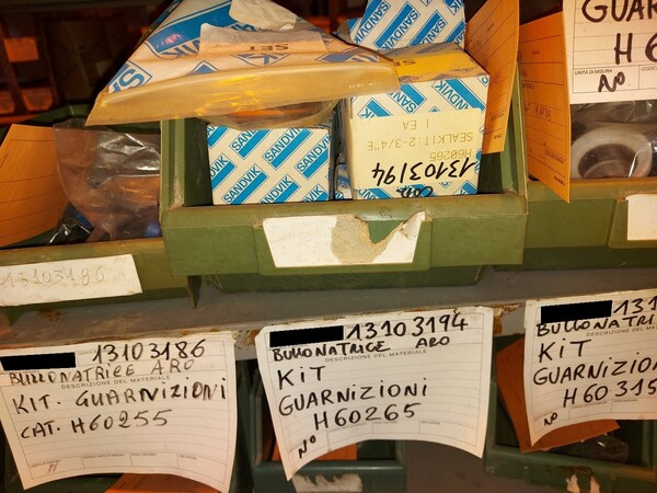 8#5853 Ricambi bullonatrice ARO in vendita - foto 17