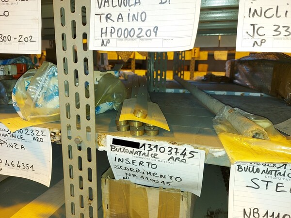 8#5853 Ricambi bullonatrice ARO in vendita - foto 18