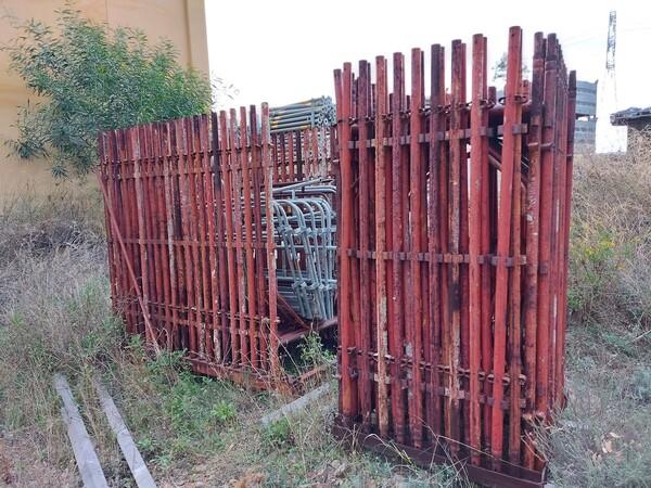 2#5859 Ponteggio rosso in vendita - foto 1