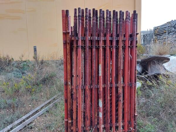 2#5859 Ponteggio rosso in vendita - foto 2