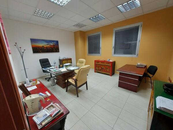 23#5859 Arredi ufficio in vendita - foto 2