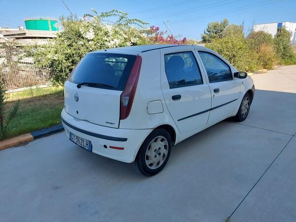 32#5859 Automobile Fiat Punto e Autocarro Ford Transit in vendita - foto 4