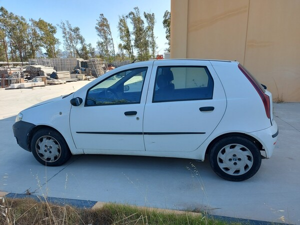 32#5859 Automobile Fiat Punto e Autocarro Ford Transit in vendita - foto 7