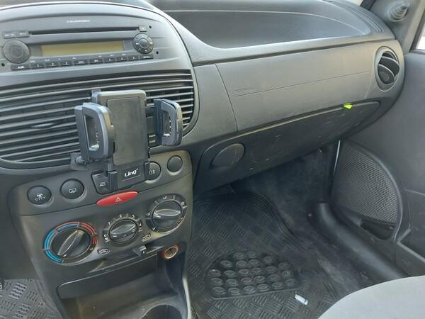32#5859 Automobile Fiat Punto e Autocarro Ford Transit in vendita - foto 11