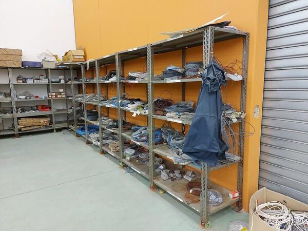 8#5859 Scaffalatura metallica e transpallet in vendita - foto 1