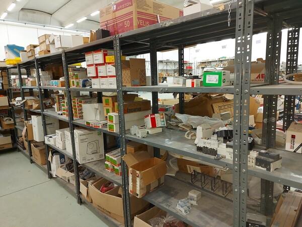 8#5859 Scaffalatura metallica e transpallet in vendita - foto 2