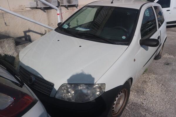 6#5873 Autocarro Fiat Punto Van in vendita - foto 3