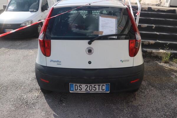 6#5873 Autocarro Fiat Punto Van in vendita - foto 4
