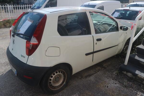 6#5873 Autocarro Fiat Punto Van in vendita - foto 5