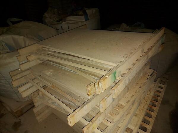 12#5875 Vassoi in metallo per linee di produzione mattonelle in vendita - foto 6