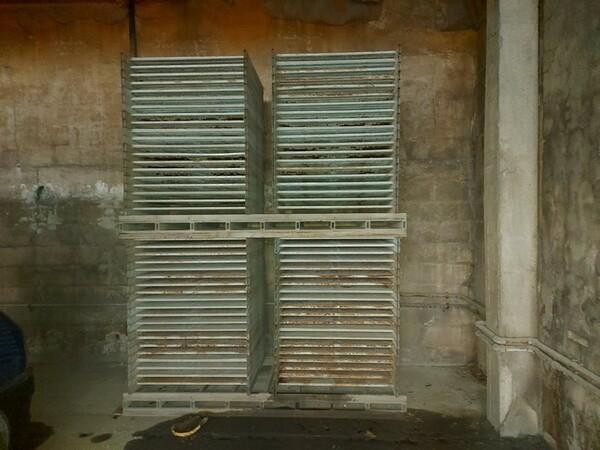 12#5875 Vassoi in metallo per linee di produzione mattonelle in vendita - foto 7