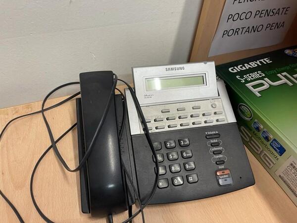 1#5877 Arredi e attrezzature da ufficio in vendita - foto 4