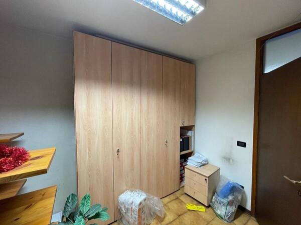 1#5877 Arredi e attrezzature da ufficio in vendita - foto 12