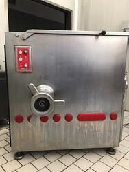 Laska meat mincer and Crm roast slicer - Lot 0 (Auction 5887)