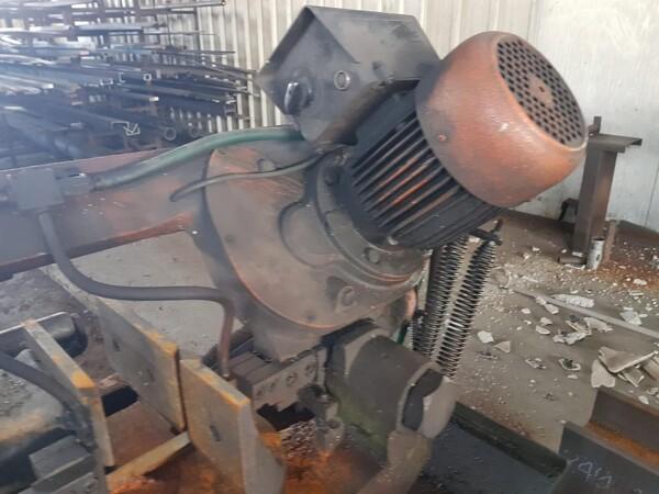 2#5901 Macchina troncatrice FMB in vendita - foto 4