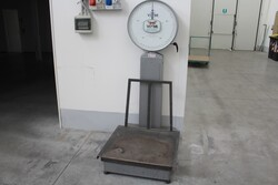 Shelving and office furniture - Lot 7 (Auction 5912)