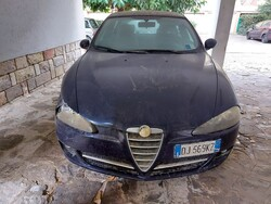 Alfa Romeo car and Iveco compactor - Lot 0 (Auction 5914)
