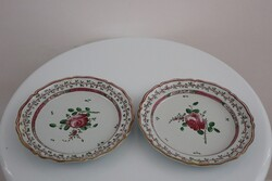 Piatti con decoro alla rosa spinata - Lotto 142 (Asta 5936)