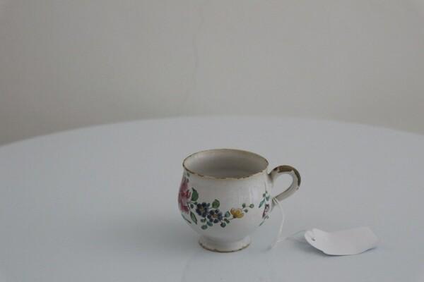 149#5936 Tazzina con decoro al garofano in vendita - foto 1
