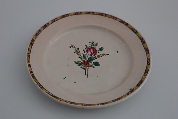 169#5936 Piattino in Maiolica con decoro floreale in vendita - foto 1