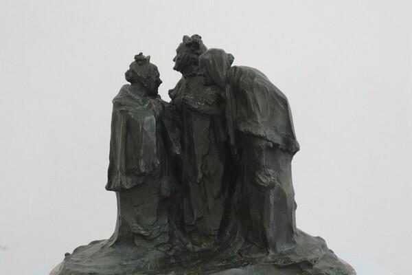 223#5936 Statuina Conversazione Tra Anziane in vendita - foto 2