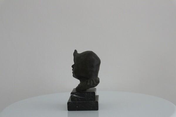 238#5936 Statuina Busto Di Bambina Con Cuffia in vendita - foto 2