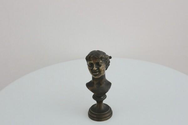 240#5936 Statuina Testa Femminile in vendita - foto 1