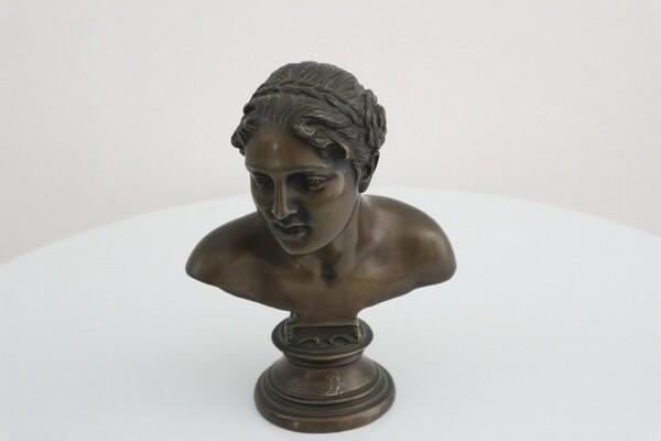 242#5936 Statuina Busto Di Anna in vendita - foto 1