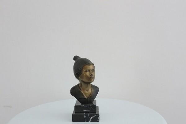 243#5936 Statuina Busto Di Giovane Pescatore in vendita - foto 2