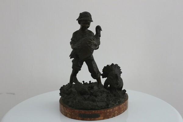 248#5936 Statuina Contadinello Con Tacchini in vendita - foto 1