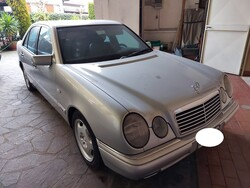 Automobile Mercedes benz E250D