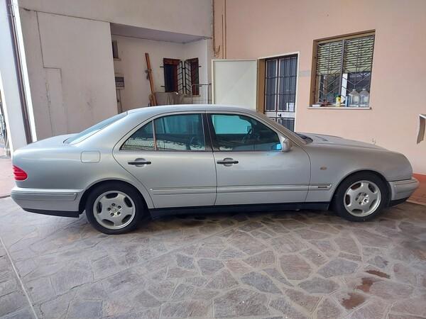 1#5941 Automobile Mercedes benz E250D in vendita - foto 2