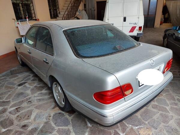 1#5941 Automobile Mercedes benz E250D in vendita - foto 4