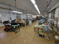 Sewing machines and equipment - Lot 2 (Auction 5941)