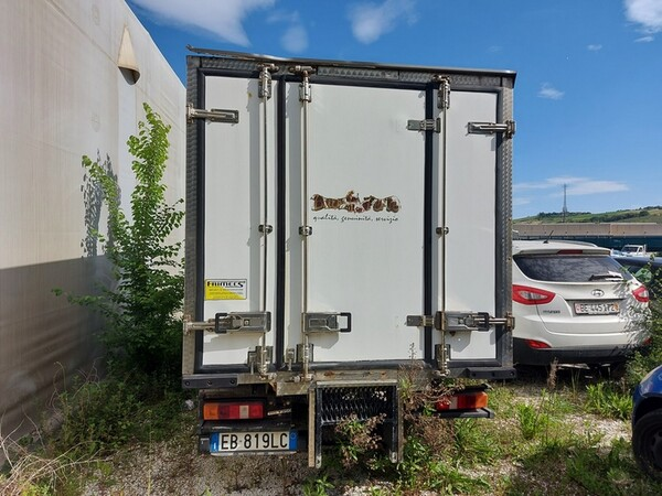 1#5955 Furgone isotermico Ford Transit e attrezzature elettroniche ufficio in vendita - foto 2
