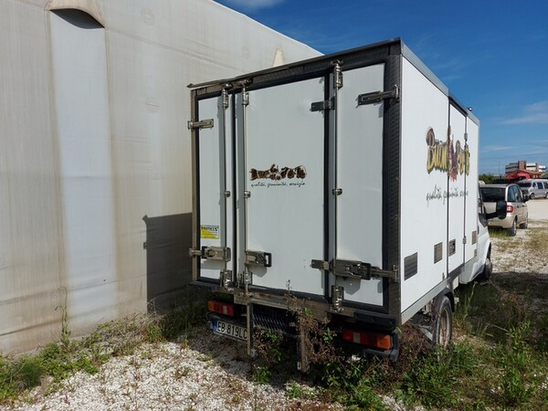 1#5955 Furgone isotermico Ford Transit e attrezzature elettroniche ufficio in vendita - foto 3
