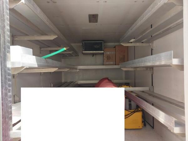 1#5955 Furgone isotermico Ford Transit e attrezzature elettroniche ufficio in vendita - foto 4