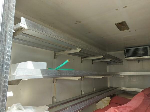 1#5955 Furgone isotermico Ford Transit e attrezzature elettroniche ufficio in vendita - foto 5
