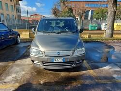 Automobile Fiat multipla