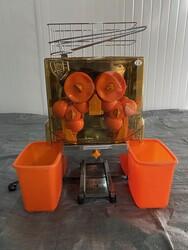 Spremiagrumi automatico con vasche in plastica - Lotto 8 (Asta 5970)