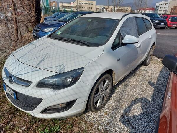 2#5980 Autovettura Opel Astra in vendita - foto 1