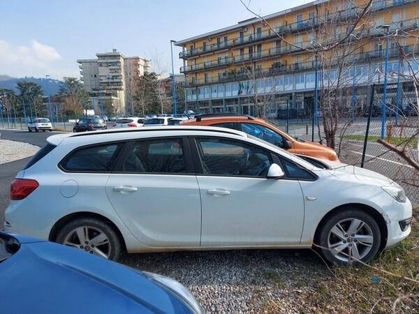 2#5980 Autovettura Opel Astra in vendita - foto 2