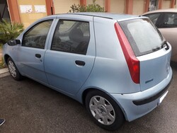 Autovettura Fiat Punto