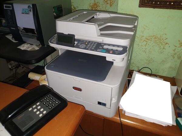 3#5990 Arredi ufficio e attrezzature informatiche in vendita - foto 5