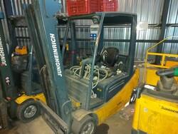 Jungheinrich forklift truck and Nissan forklift truck - Lote 6 (Subasta 5992)