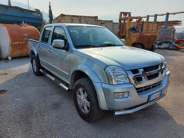 3#5997 Autovettura Isuzu TFS 4wd in vendita - foto 1