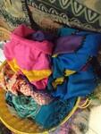Immagine 36 - Sciarpe damascate e camice donna - Lotto 3 (Asta 6006)