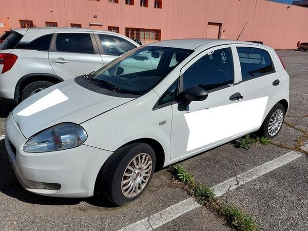 2#6008 Autocarro Fiat Punto in vendita - foto 1