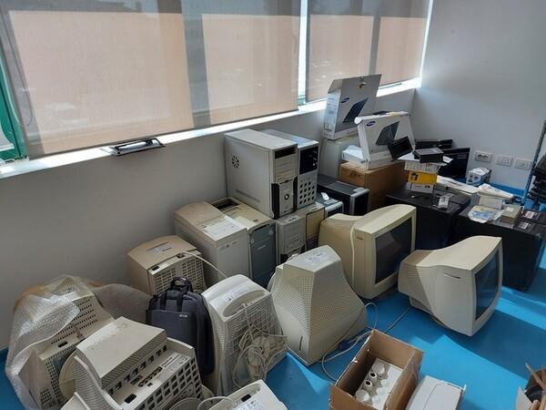 9#6008 Arredi e attrezzature per ufficio in vendita - foto 52