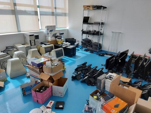 9#6008 Arredi e attrezzature per ufficio in vendita - foto 60